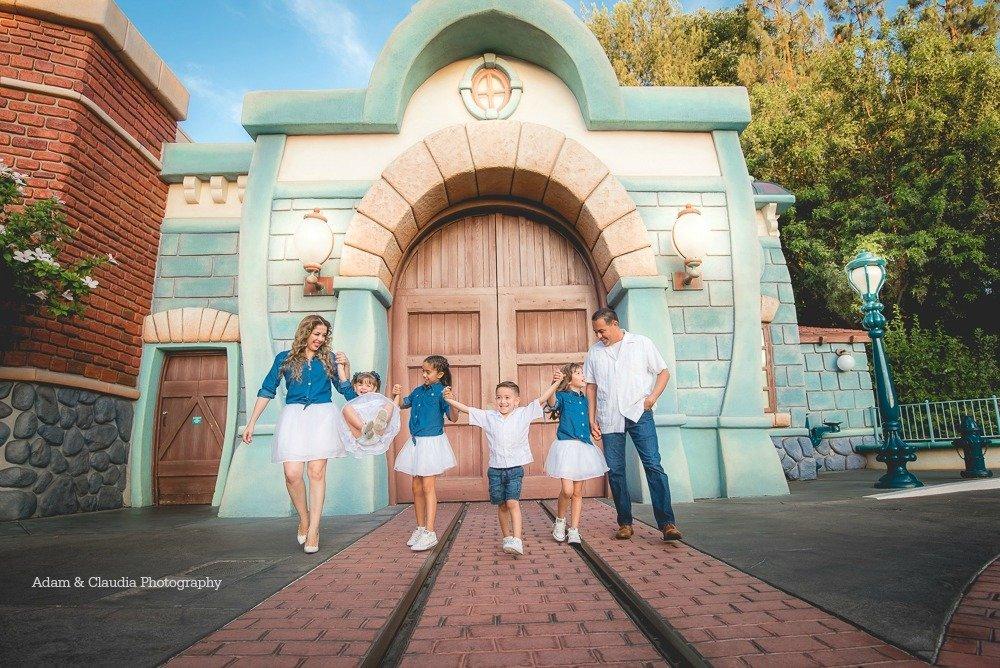 Family photo in Toontown