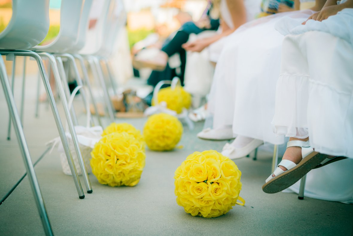 flower balls in the aisle