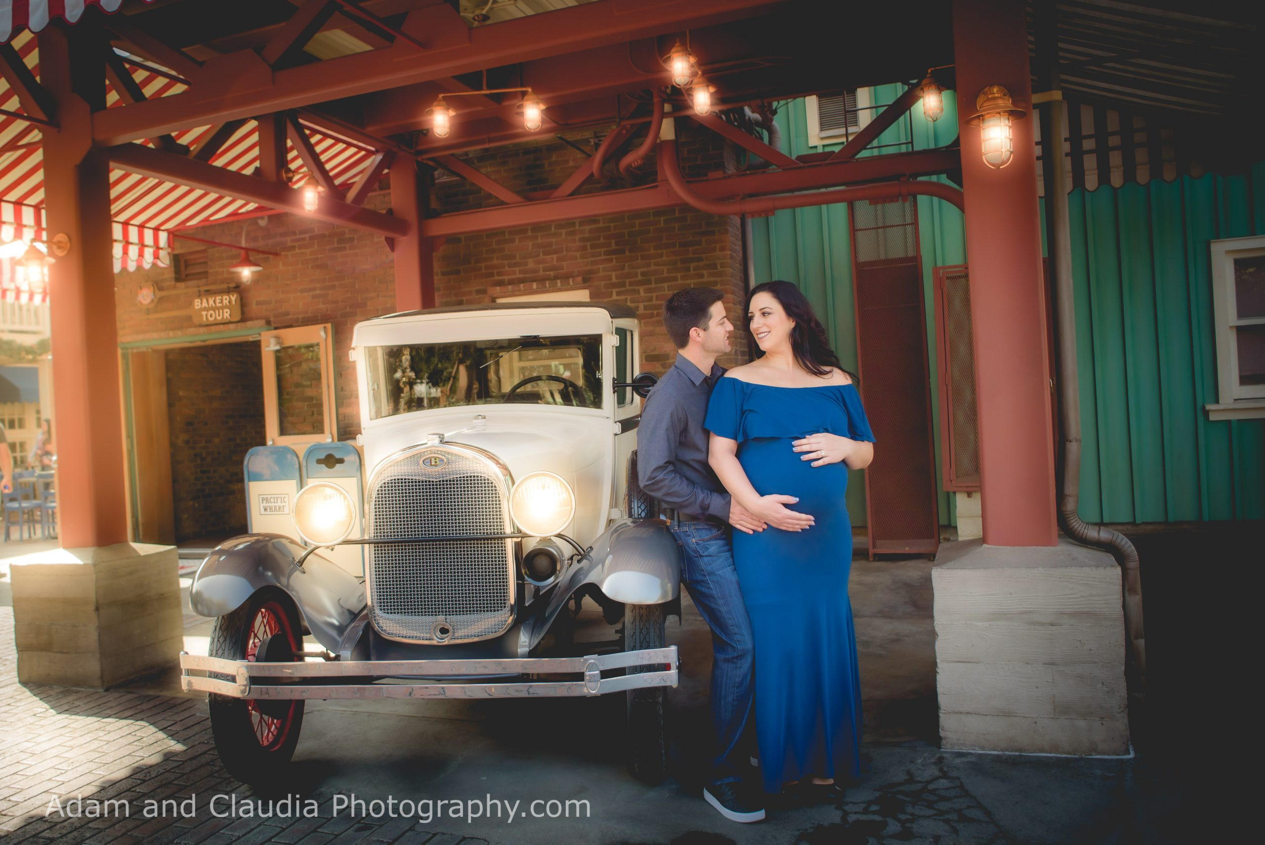 Yada - Disneyland Maternity Photos in Cars Land